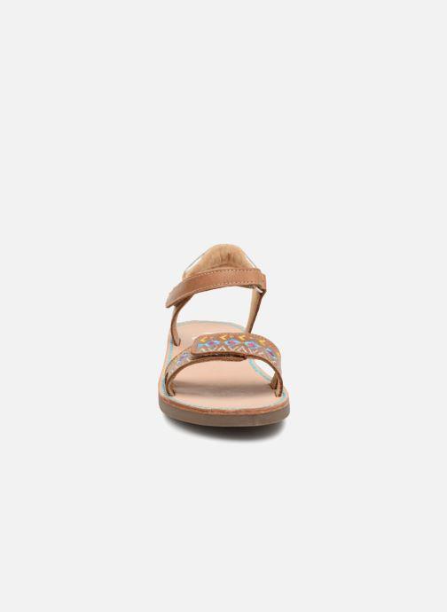 Sandales et nu-pieds Minibel Porquerol Marron vue portées chaussures
