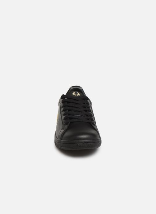Baskets Fred Perry B721 Leather Noir vue portées chaussures