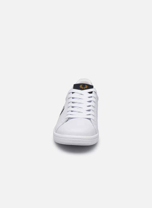 Baskets Fred Perry B721 Leather Blanc vue portées chaussures