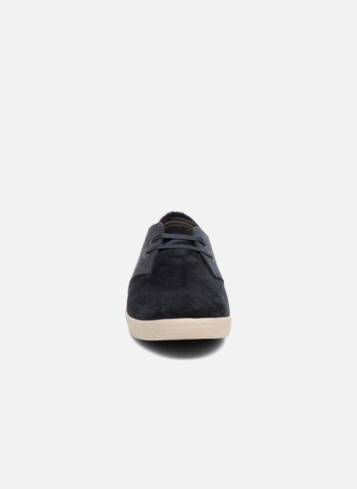 Baskets Fred Perry Byron Low Bedford Cord/ Suede Bleu vue portées chaussures