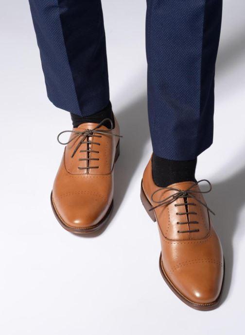 Chaussures à lacets Marvin&Co Rothmot Marron vue bas / vue portée sac