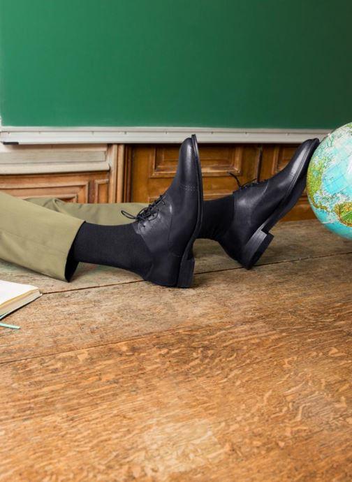 Chaussures à lacets Marvin&Co Rothmot Noir vue bas / vue portée sac