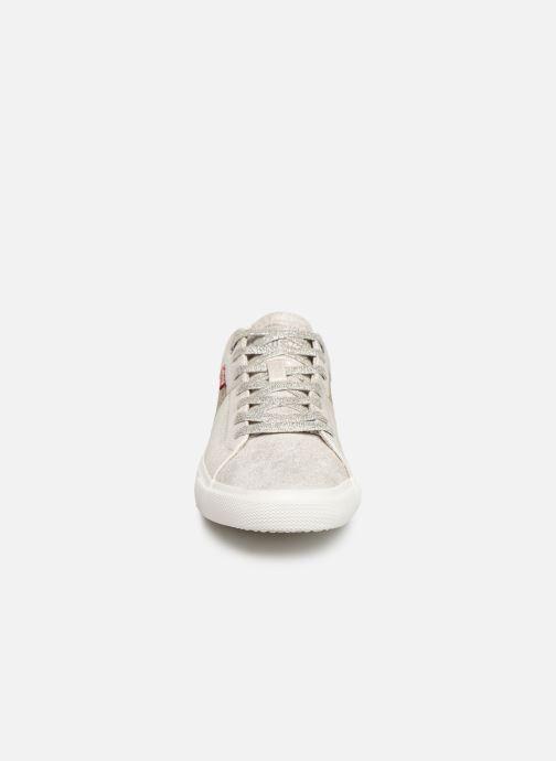 Baskets Levi's Woods W Blanc vue portées chaussures