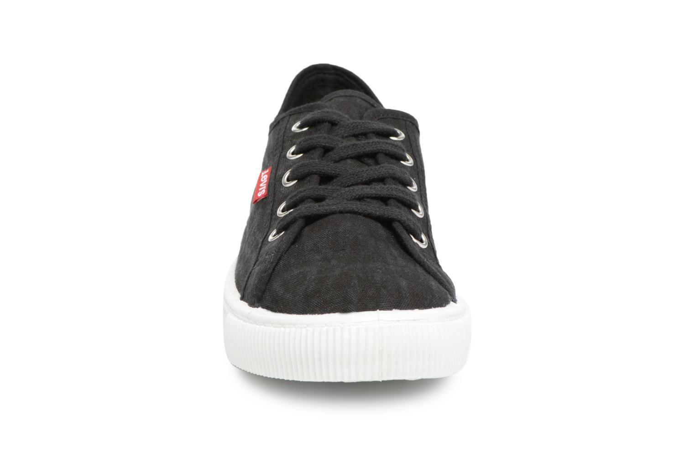 Baskets Levi's Malibu W Noir vue portées chaussures