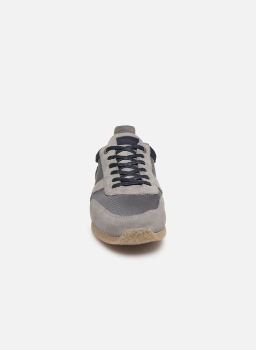 Baskets Kickers Olympei Gris vue portées chaussures