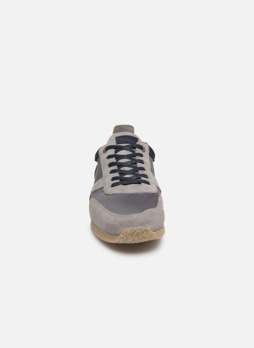 Sneakers Kickers Olympei Grigio modello indossato