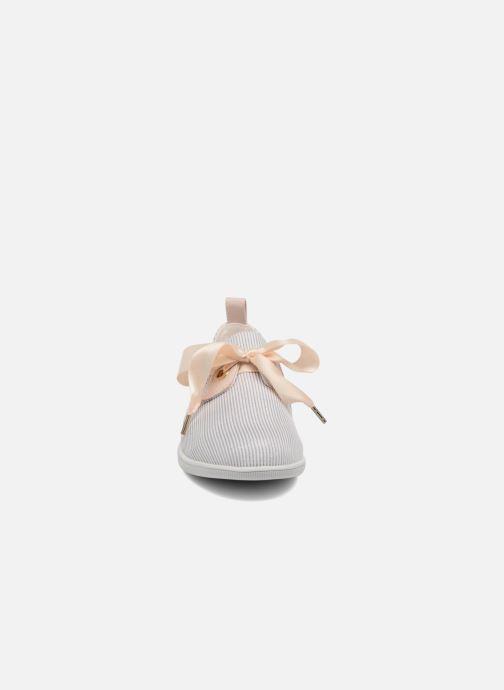 Baskets Armistice Stone One Marina W Gris vue portées chaussures