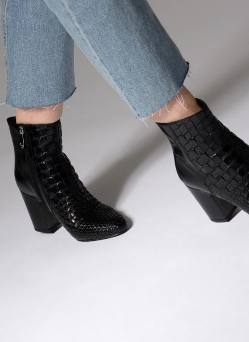 Ankle boots What For Babeth Black view from underneath / model view