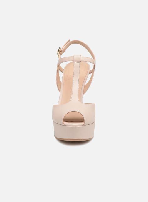 Zapatos de tacón What For Reddy Beige vista del modelo