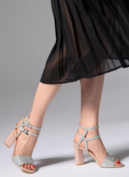 Sandalen What For Georgia silber ansicht von unten / tasche getragen