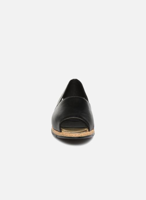 Sandalias Aerosoles Dance Floor Negro vista del modelo
