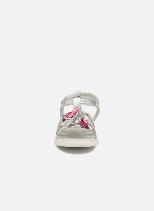 Sandales et nu-pieds NA! Api Argent vue portées chaussures