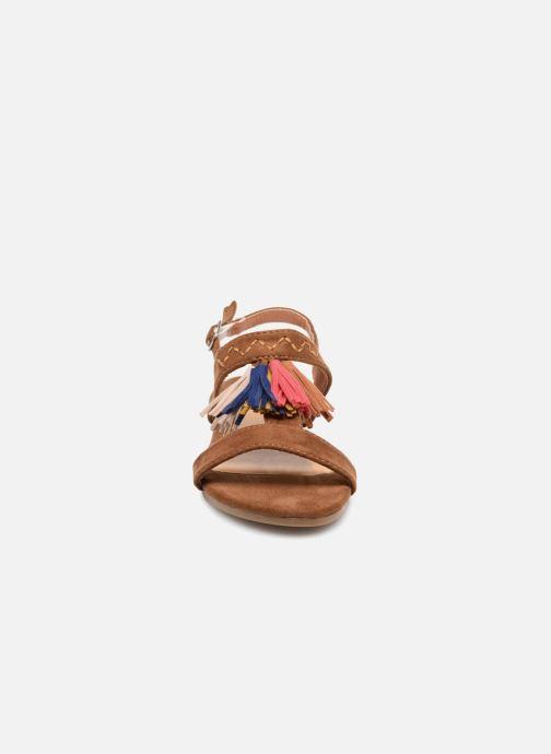 Sandales et nu-pieds NA! Santiana Marron vue portées chaussures
