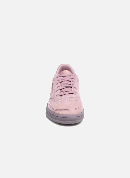 Baskets Reebok CLUB C 85 LACE Violet vue portées chaussures