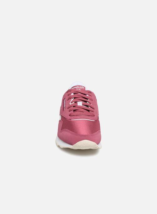 Baskets Reebok CL nylon Violet vue portées chaussures
