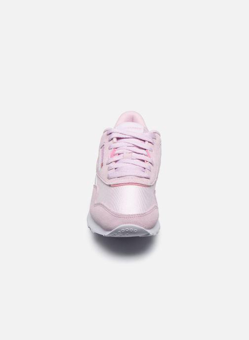 Baskets Reebok CL nylon Rose vue portées chaussures