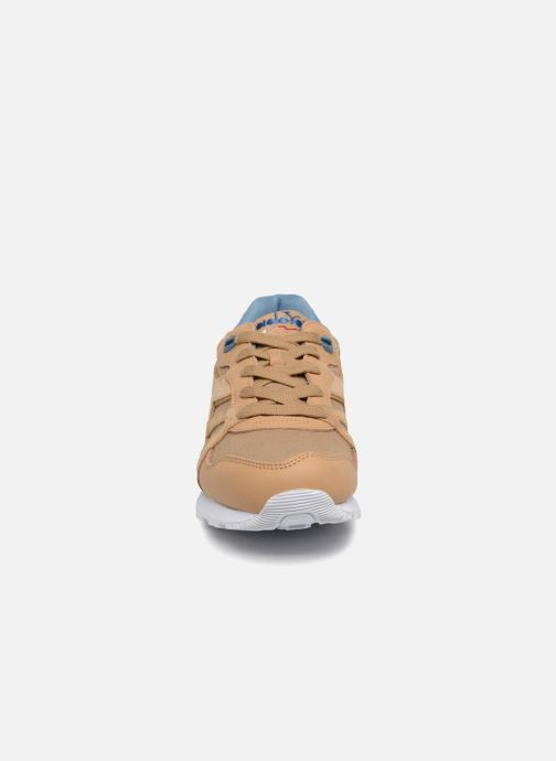 Sneaker Diadora N9000 CVSD braun schuhe getragen