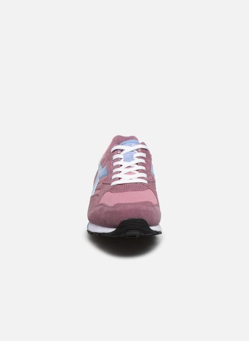 Baskets Diadora N902 S Rose vue portées chaussures