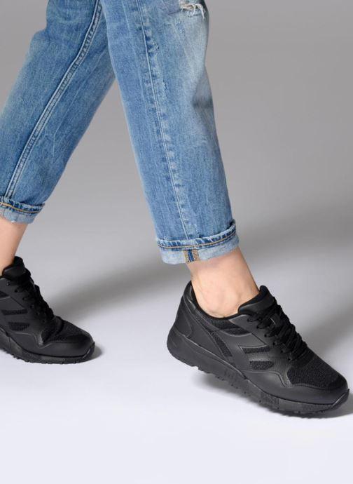 Sneakers Diadora N902 MM Nero immagine dal basso