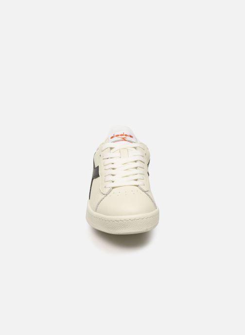Baskets Diadora GAME L LOW W Blanc vue portées chaussures