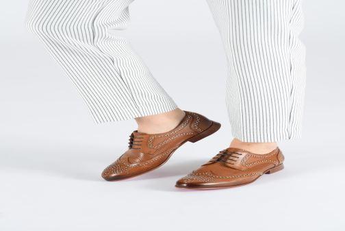 Chaussures à lacets Melvin & Hamilton Sally 53 Marron vue bas / vue portée sac