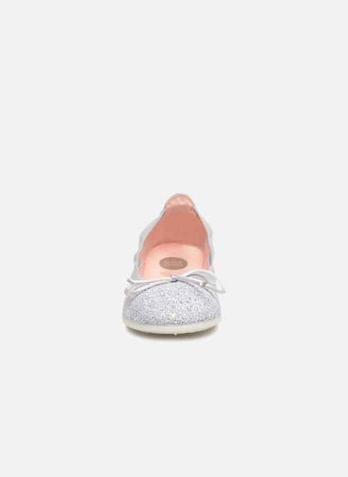 Ballerines Gioseppo Serena Argent vue portées chaussures