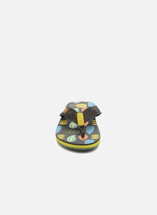 Tongs Gioseppo Arturo Gris vue portées chaussures