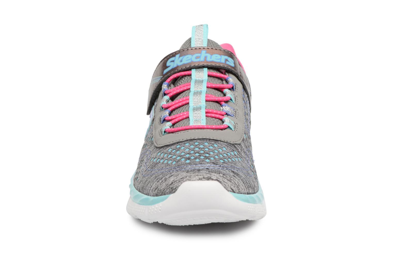 Baskets Skechers Air Appeal Crazy Crush 2 Gris vue portées chaussures