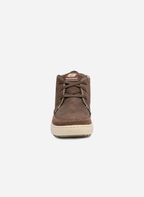 Zapatos con cordones Skechers Direct Pulse Marrón vista del modelo
