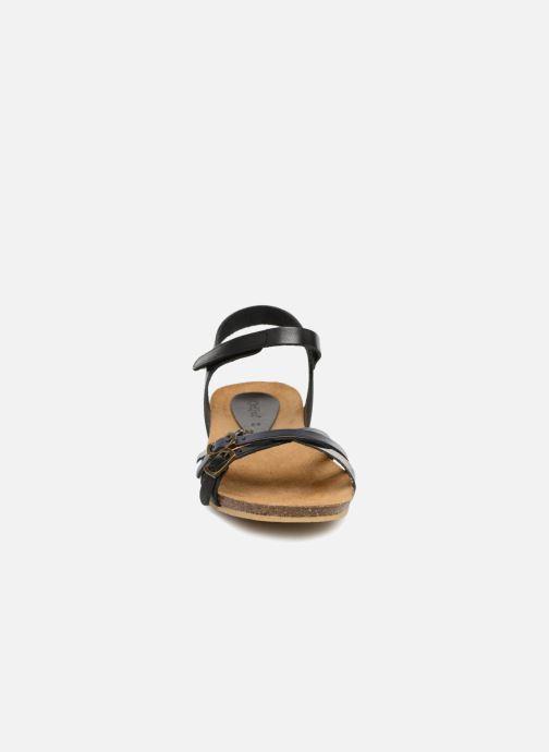 Sandales et nu-pieds Kickers Bonavista Noir vue portées chaussures