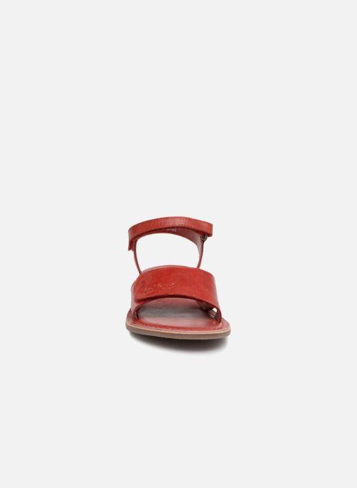 Sandales et nu-pieds Kickers Diese Rouge vue portées chaussures