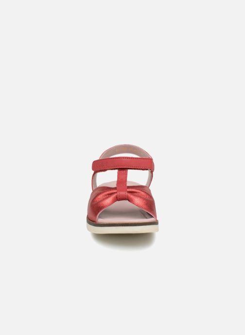 Sandales et nu-pieds Kickers Giucy Rouge vue portées chaussures
