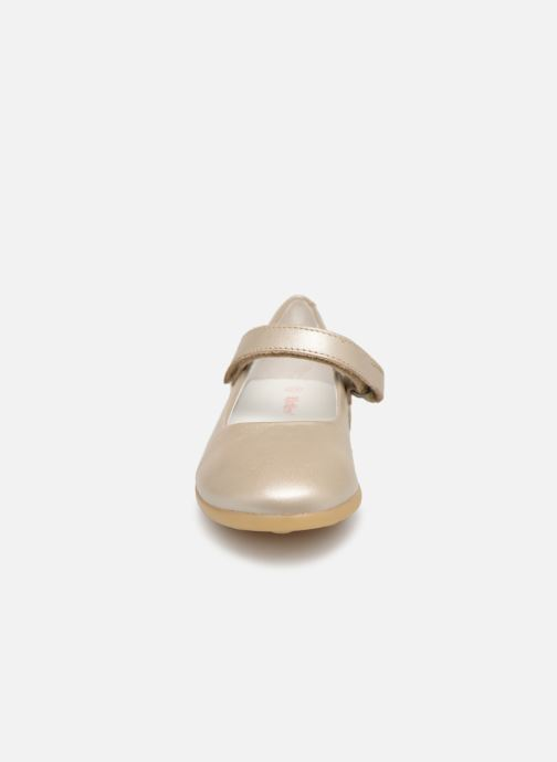 Ballerines Kickers Ambellie Argent vue portées chaussures