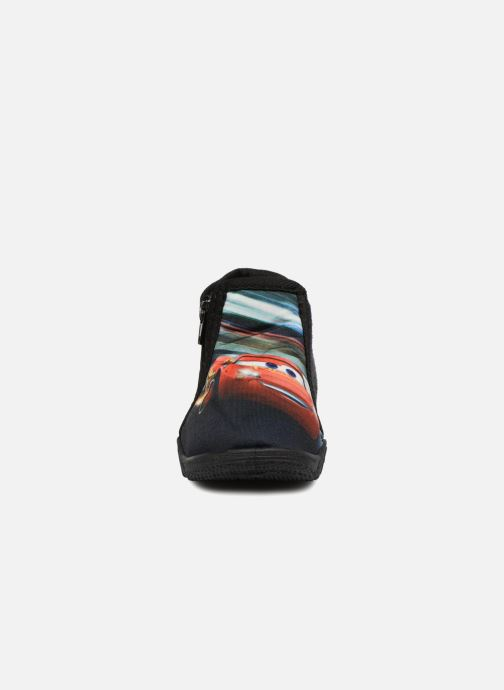 Pantofole Cars Silandro Nero modello indossato