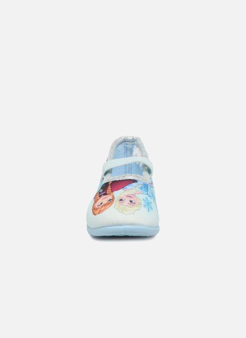 Pantuflas Frozen Scarlett Azul vista del modelo
