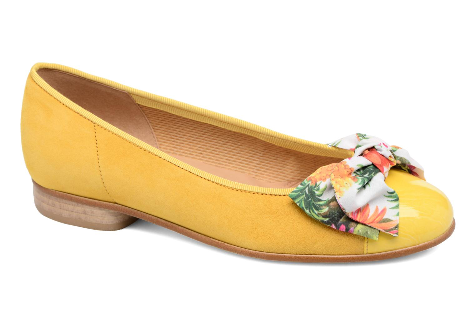Ballet pumps Gabor Eleonore Yellow detailed view/ Pair view