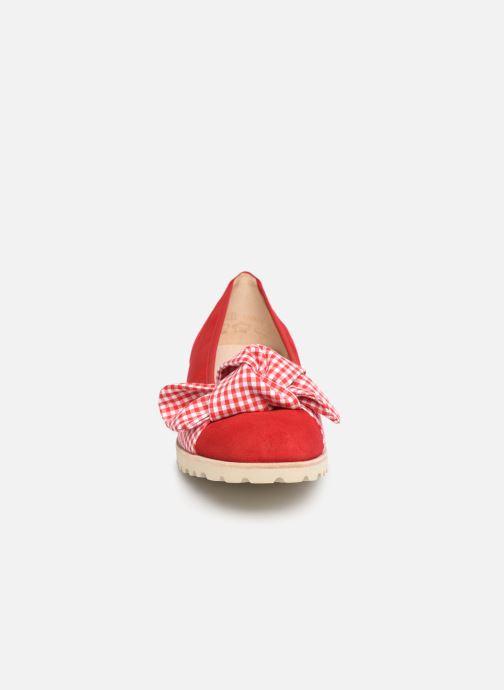 Ballerines Gabor Aprile Rouge vue portées chaussures