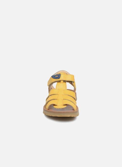 Sandales et nu-pieds GBB Patrizio Jaune vue portées chaussures