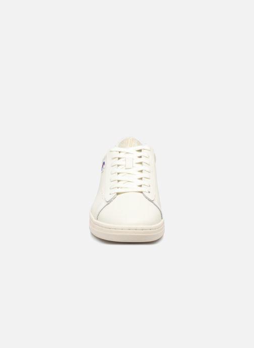 Baskets Champion Low Cut Shoe 919 LOW PATCH LEATHER Blanc vue portées chaussures