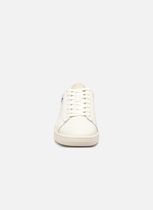 Sneakers Champion Low Cut Shoe 919 LOW PATCH LEATHER Bianco modello indossato