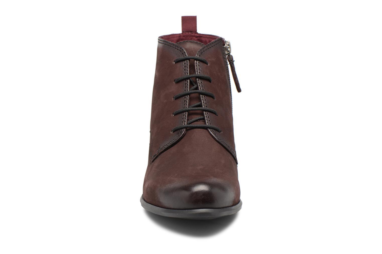 Bottines et boots Tamaris 25115 Bordeaux vue portées chaussures