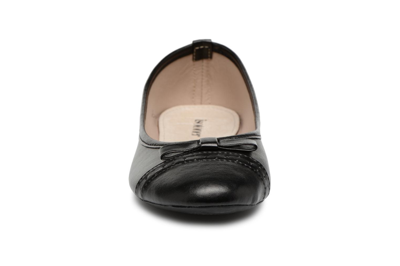 Ballerines Isotoner Ballerine ajourée Noir vue portées chaussures