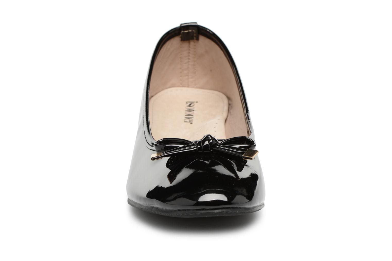 Ballerines Isotoner Ballerine vernie - talon 3cm Noir vue portées chaussures