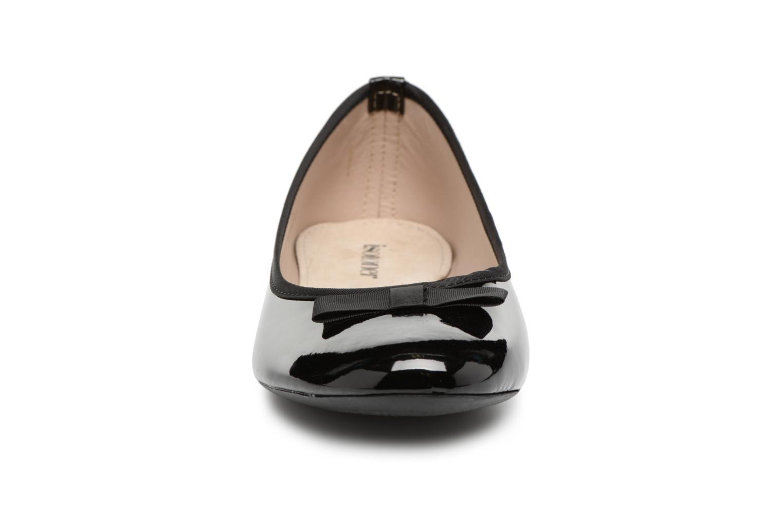 Ballerines Isotoner Ballerine vernie 2 Noir vue portées chaussures