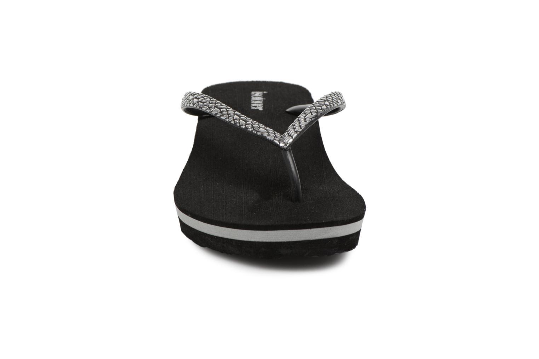 Tongs Isotoner Tong yoga métallisé Noir vue portées chaussures