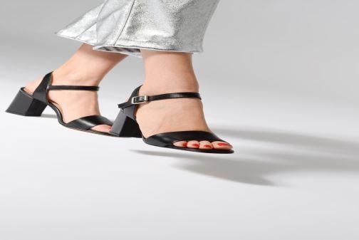 Sandales et nu-pieds Jonak DEMET Noir vue bas / vue portée sac