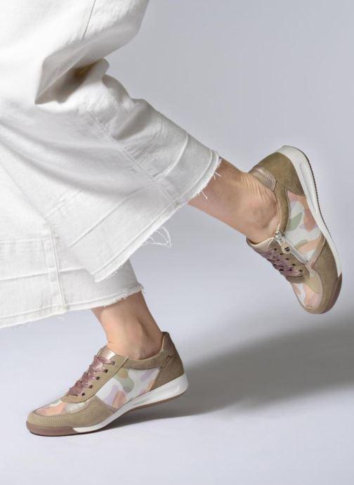 Sneaker Ara Rom 44443 beige ansicht von unten / tasche getragen