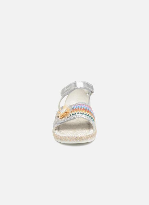 Sandales et nu-pieds Primigi Adetola Argent vue portées chaussures