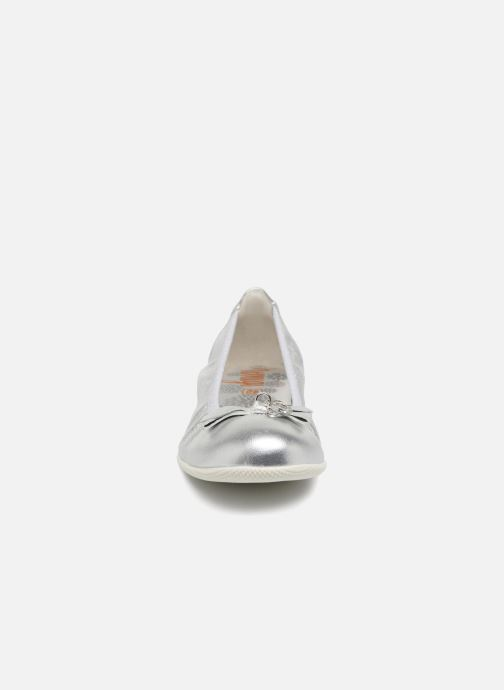 Ballerines Primigi Gabriella Argent vue portées chaussures