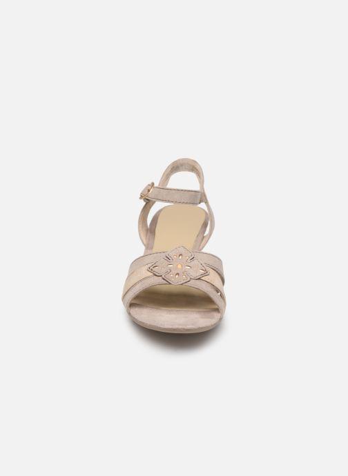 Sandalias Jana shoes Carletta Beige vista del modelo